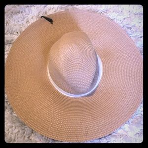 Brand new Express tan/white sun hat-floppy.Tags on